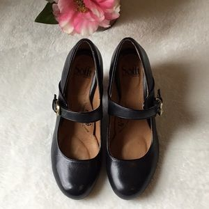 SOFFT Mary Jane High Heels Sz 7.5